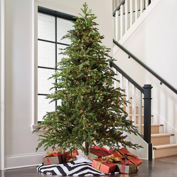 Frasier Fir Christmas Tree.Majestic Fraser Fir Artificial Christmas Tree Grandin Road