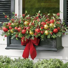 Holiday Tradition Cordless Window Box Filler
